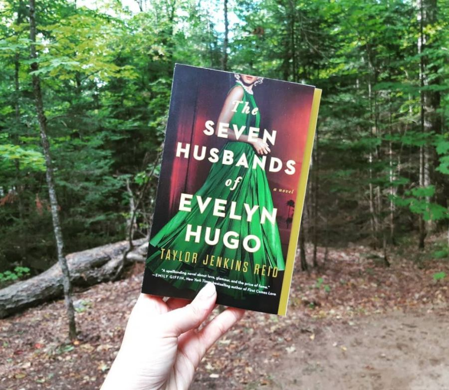 the seven husbands of evelyn hugo cover